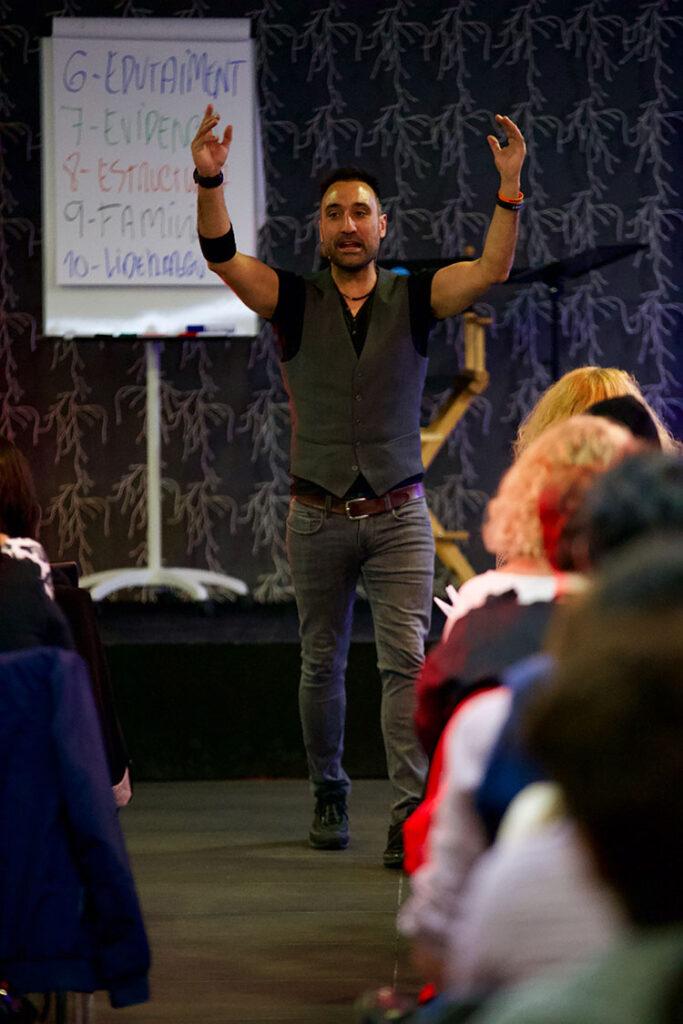 QUINTO PASO: MODELA LO QUE FUNCIONA Los 5 Pasos para crear el momentum